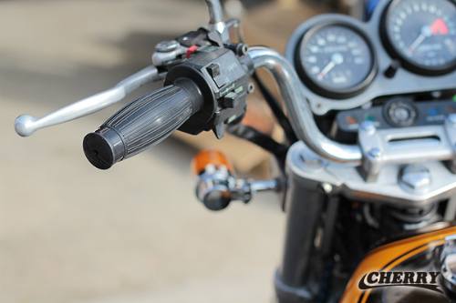 【CHERRY】桶型生橡膠握把套 (TARUNAMA 22.2mm用 黑色) - 「Webike-摩托百貨」