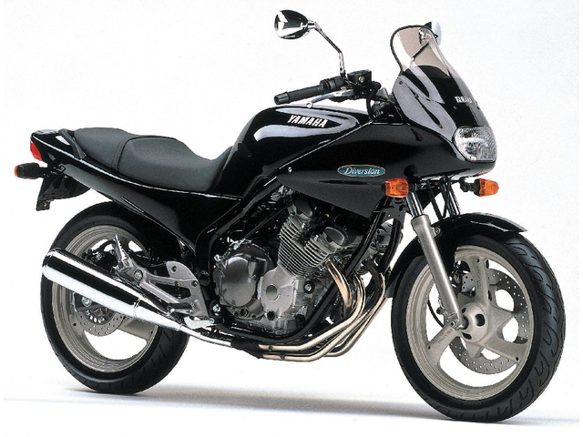 YAMAHA DIVERSION400