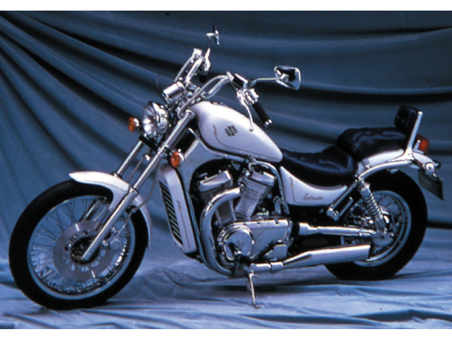 SUZUKI INTRUDER750 (VS750)